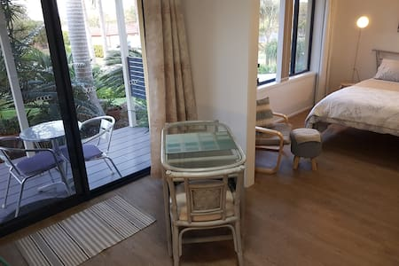 Nelson Bay Garden Suite - Private Entry