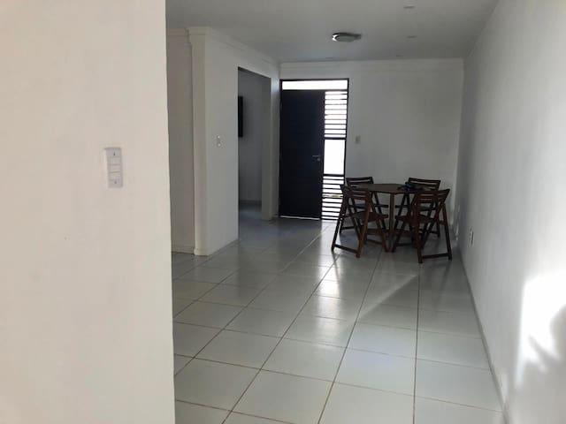 Casa no bairro do Bessa, em João Pessoa - PB