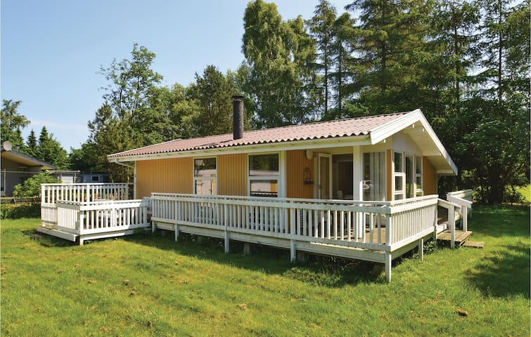 Holiday cottage with 2 bedrooms on 55 m² in Præstø