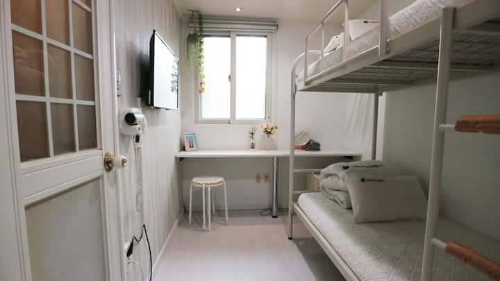 Hostel Korea, the Jib - Twin room (007)