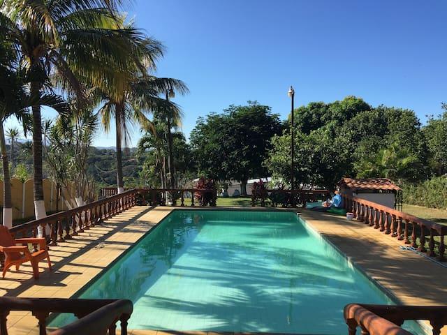 Casa de recreo/piscina Apto 1 dorm - Tambor - Leilighet