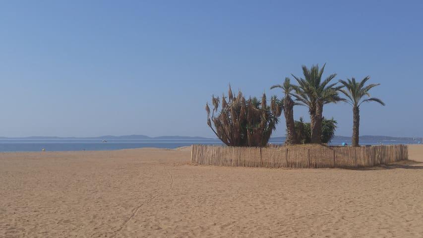 T2 rénové à 50 m de la plage de l'Ayguade à Hyères