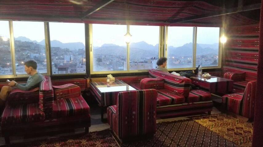 Petra Gate Hotel & Hostel