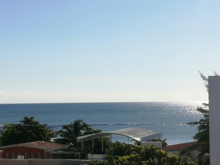 Bonito Rooftop,cerca de la playa y super market.
