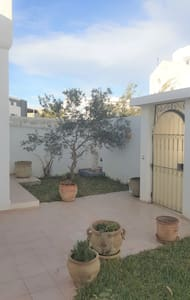 Villa - 500 m from the beach - Yasmine Hammamet - วิลล่า