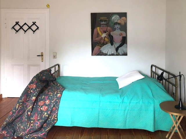 Sonniges Zimmer, ruhiger Schlaf – Dus-Oberkassel