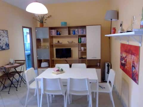 Ground floor apartment with internal parking