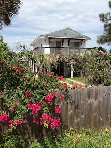 True Florida Beach Cottage - Panama City