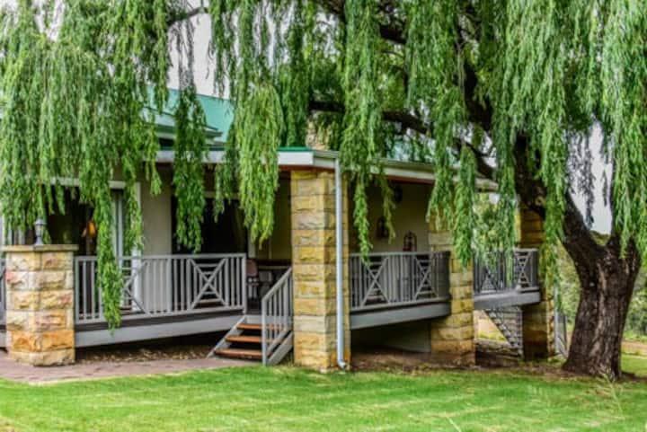 Willow Creek Luxury Self Catering Villa B  (****)