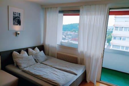 cozy central apartment in Lentia shopping center!