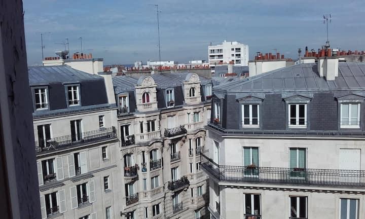 Bedroom Paris, close to Montmartre - Gare du Nord