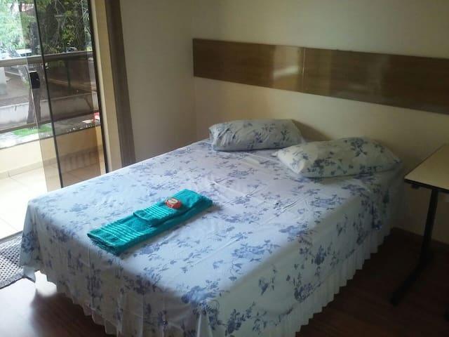 Quarto confortável próximo a UEM - Maringá - Huis