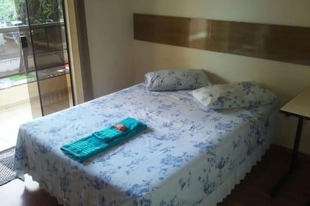 Quarto confortável próximo a UEM - Maringá - Casa
