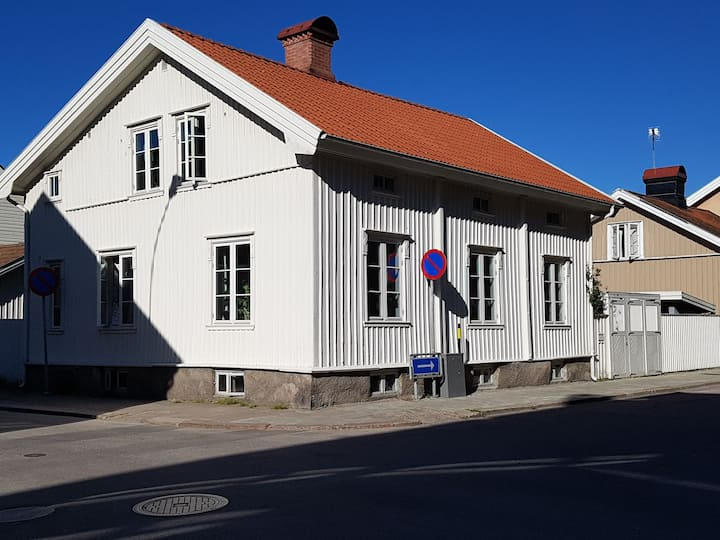 Boende centralt nära Vänern