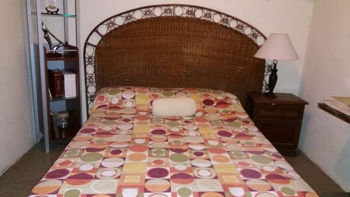 Bed & breakfast 15 min from airport