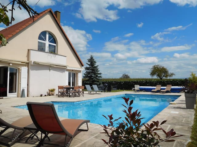 Villa et piscine près de Strasbourg - Kriegsheim - Dom