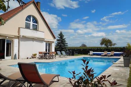 Villa et piscine près de Strasbourg - Kriegsheim
