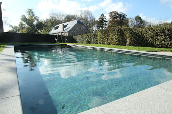 Gite with swimming pool situated in wonderful castle grounds in Gesves