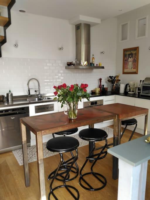 Un espace très convivial, en cuisine.....