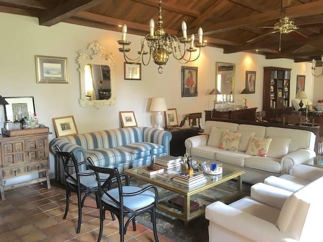 Stylish 3 bedroom suite in vineyard - Ribadulla - Dom