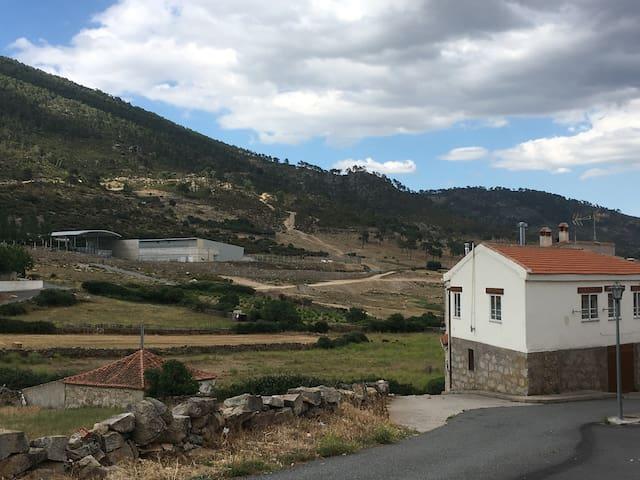 Casa rural en El Barraco para 4-7 personas