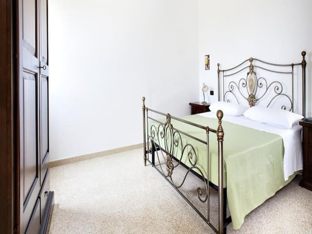 Lilac Holiday Homes - Douple-Triple Basic Room - Torre Chianca