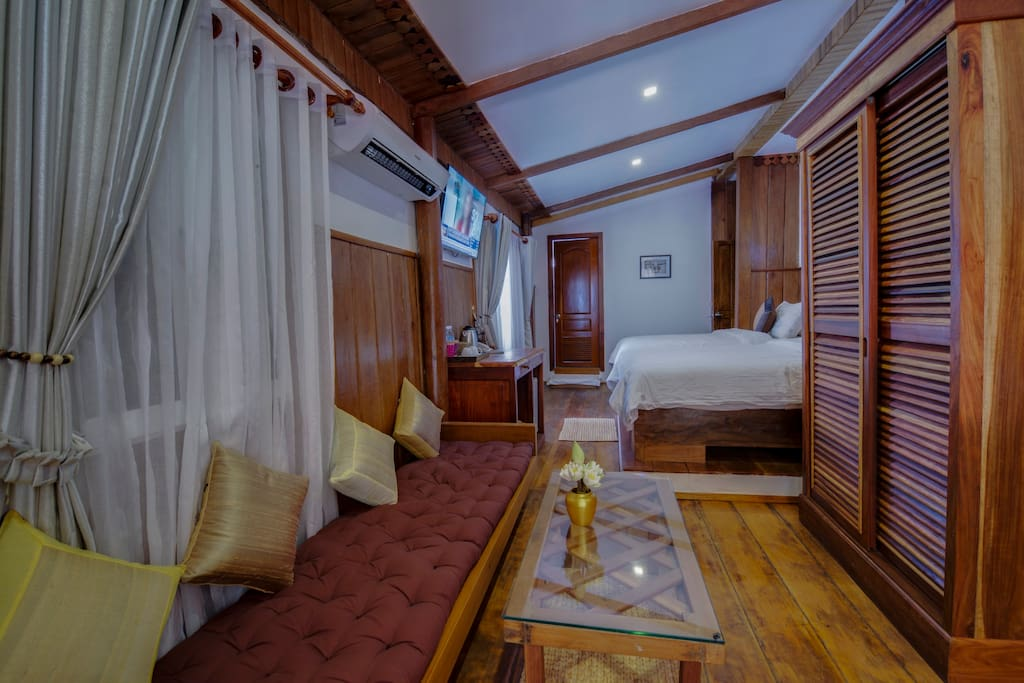 TWIN ROOM @ WOODEN HOUSE