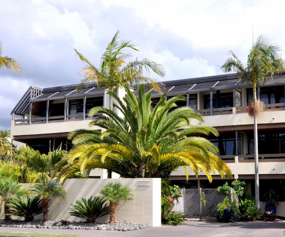 Luxury Family Penthouse in the Heart of Paihia