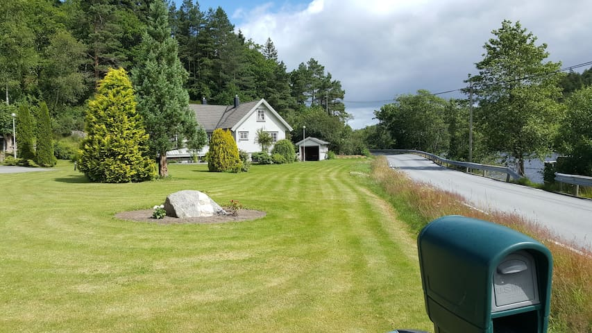Full size private home (157 m2 ) Country side.