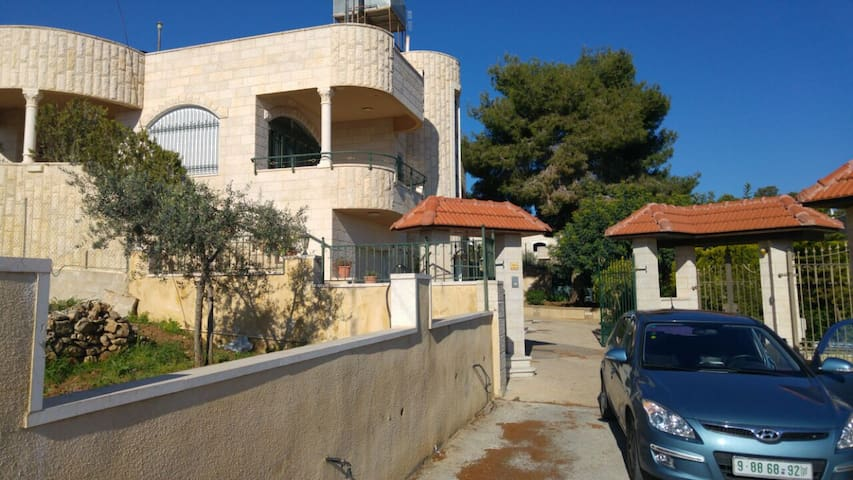 Bethlehem area spacious villa - Bethlehem