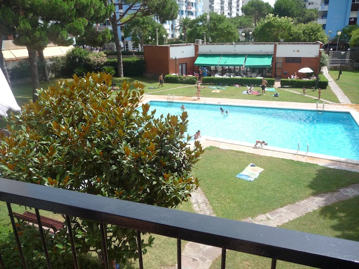 2 bedrm-appt on a beautiful garden with privt pool