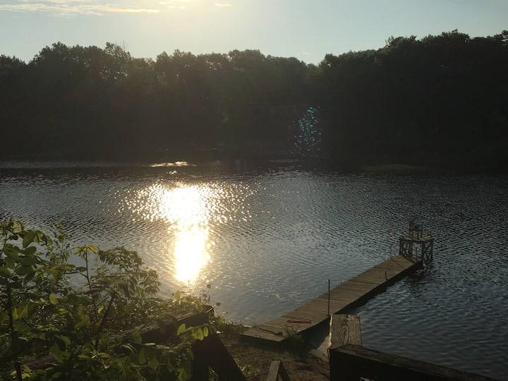 Lakefront Retreat Center in Greenville Sleeps 16!