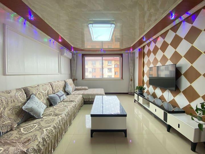 北戴河蔚蓝海岸自助民宿402舒适宜人,现代精装两大室,带厨房免费停车(多套同类房源欢迎咨询)