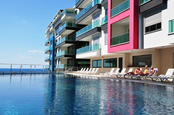 Konak Sea Side Luxury Apartments - Kestel Belediyesi - Byt