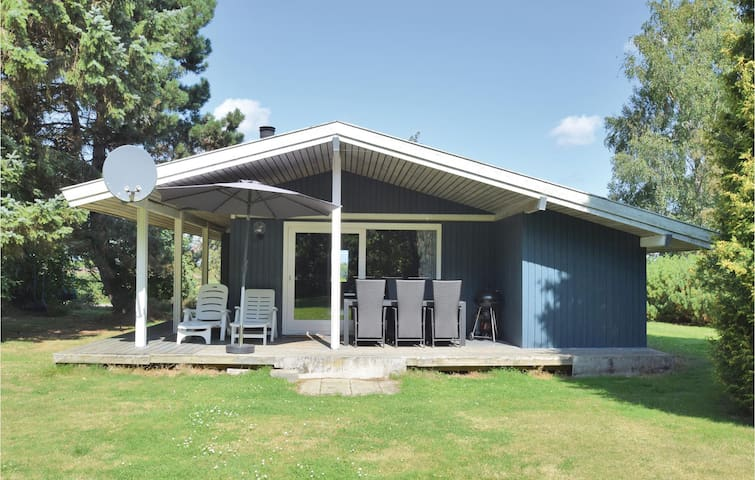 Holiday cottage with 3 bedrooms on 78m² in Humble