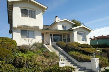 Gorgeous Ocean and Golf Course Views Spacious Home - San Clemente - Hus
