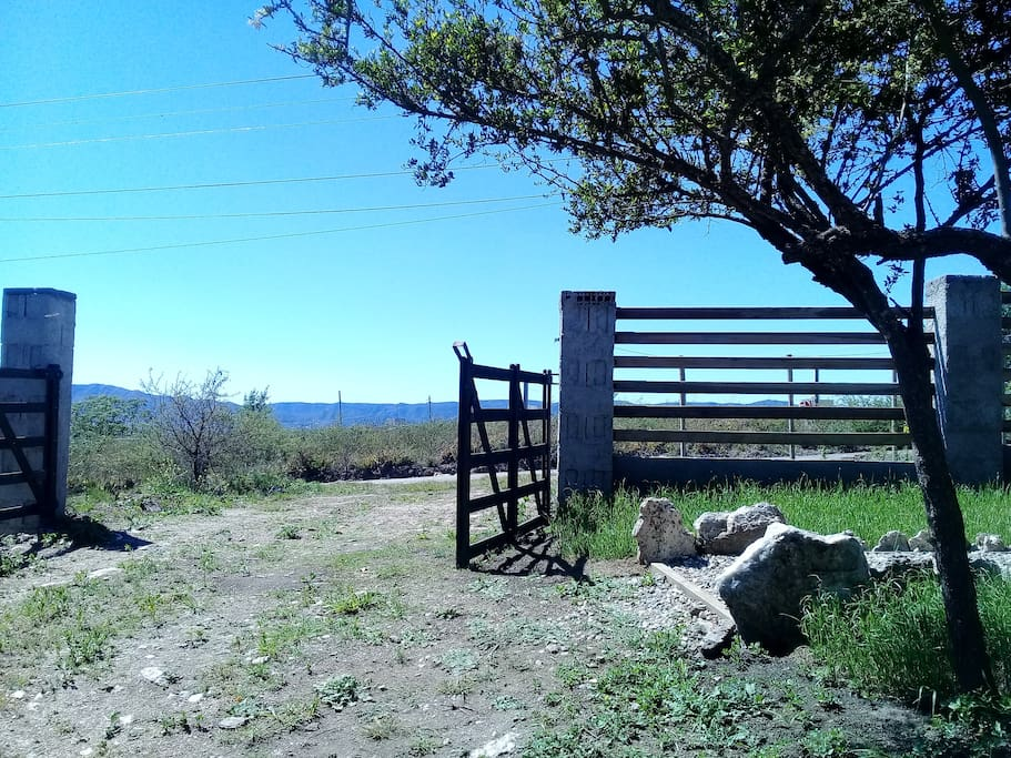 Casa en tanti villa carlos paz c rdoba houses for for Piletas naturales argentina
