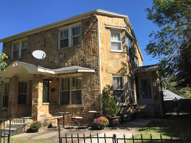 Stoney Heights, a 2 BR Upper Flat Townhouse