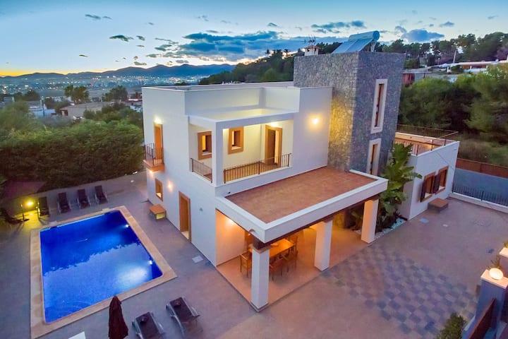 Villa Alexandra - Ibiza Town, sleeps 12/14