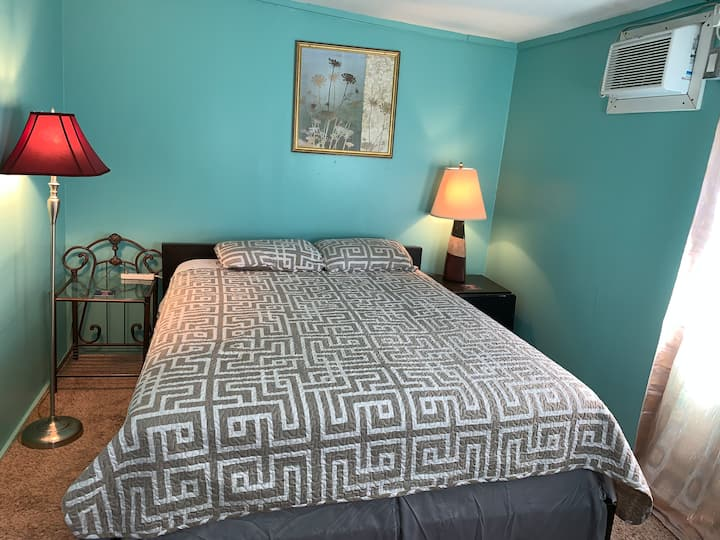 Comfy 1 bedroom by N Hollywood/Universal
