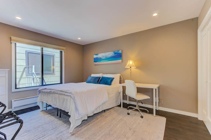Spacious BR  in Newly Remodeled Mission Flat!