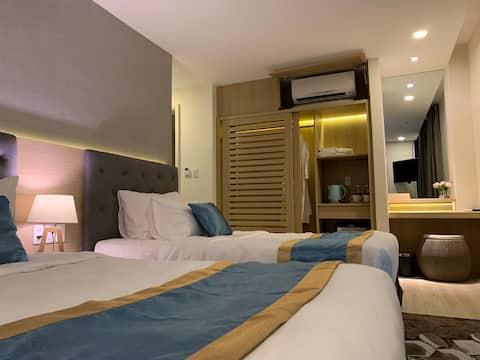 Oceanami -private room at Sally's Villa