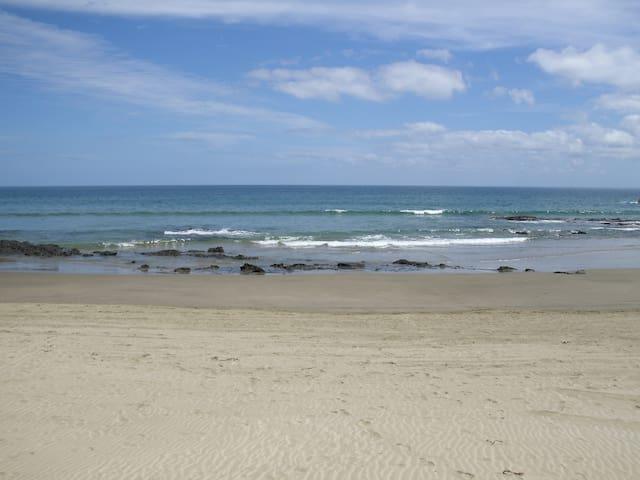 coastal cabins #2 Ahipara beginning 90-mile beach