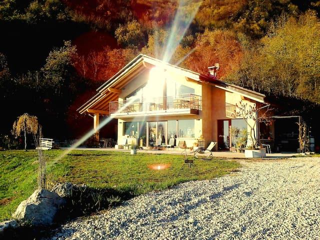 B&Basinochevola..relax&light! GARDA - Provaglio Val Sabbia - Bed & Breakfast
