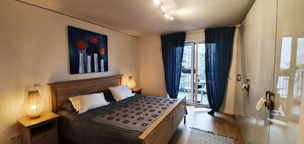 Nice accomodation near Central station and Fair