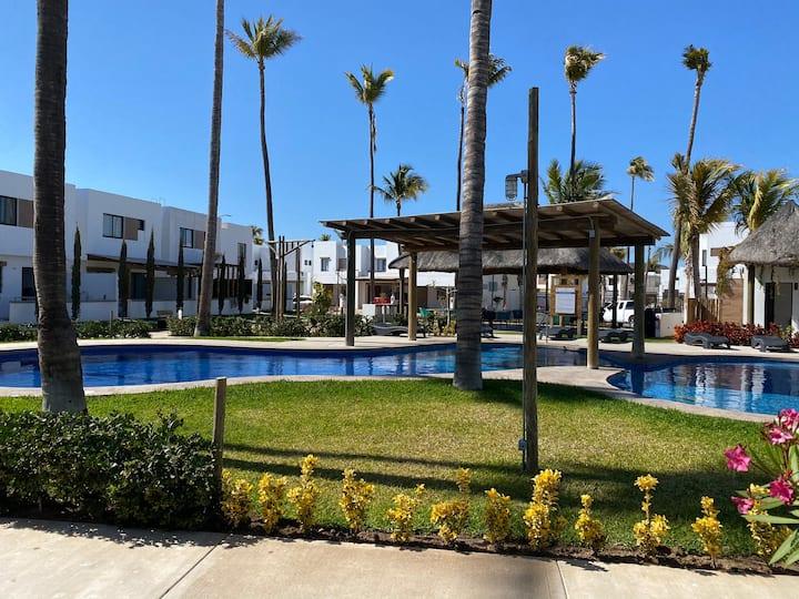 Casa con alberca a 2 cuadras de la playa