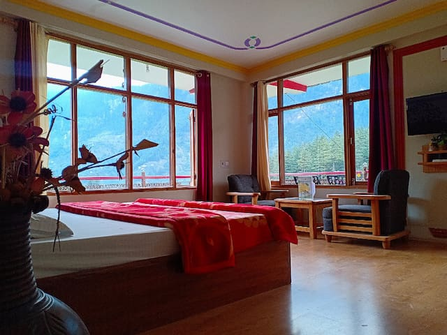 Spring House Manali - Cozy Bedroom with Balcony