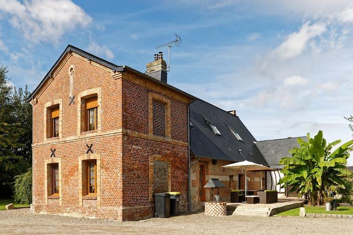 Maison normande restaurée prox plages + piscine
