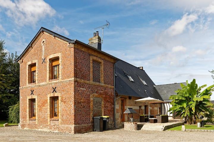 Maison normande restaurée proximité des plages
