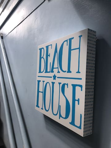 The Beach House; Cool, Comfy & Central - Maroochydore